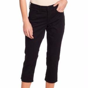 NYDJ // Alina Skinny Capri Jeans in Dark Wash 6P